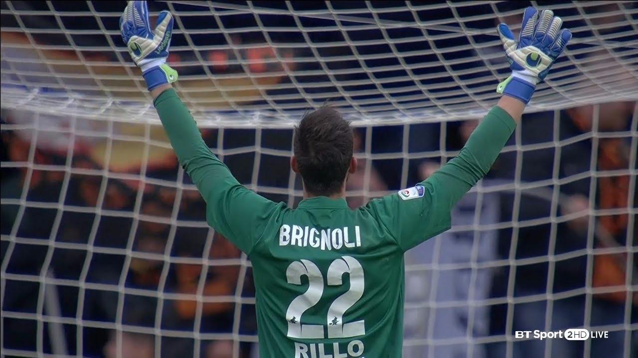 Alberto Brignoli debutó futbolísticamente con el A.C. Montichiari en la temporada 2011.