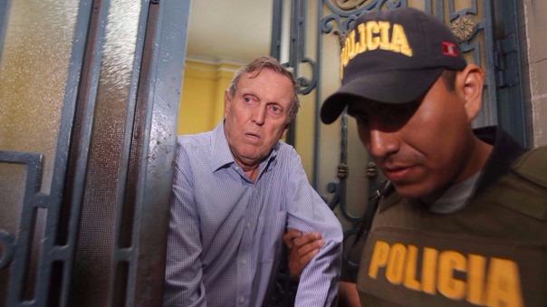 José Graña Miró Quesada, Hernando Graña Acuña, José Castillo Dibós y Fernando Camet Piccone se presentaron voluntariamente a la Sala Penal durante la madrugada de este lunes para ser recluidos.