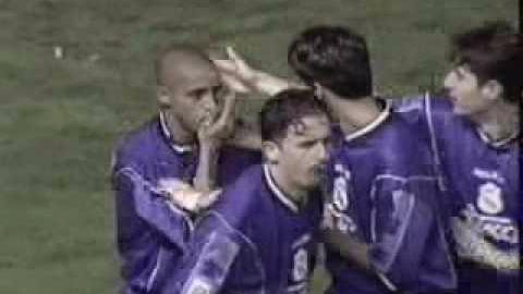 Roberto Carlos esta´considerado en el once ideal histórico de Real Madrid.