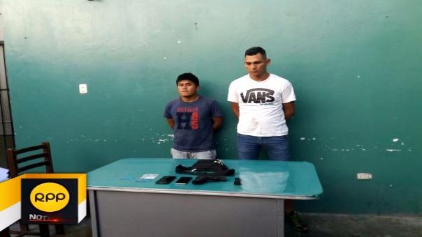 El policía fue identificado como Kleriber Omar Pinto Marino, suboficial de tercera de la Comisaría Ayacucho. Su acompañante es Álvaro Lozano Cachique.