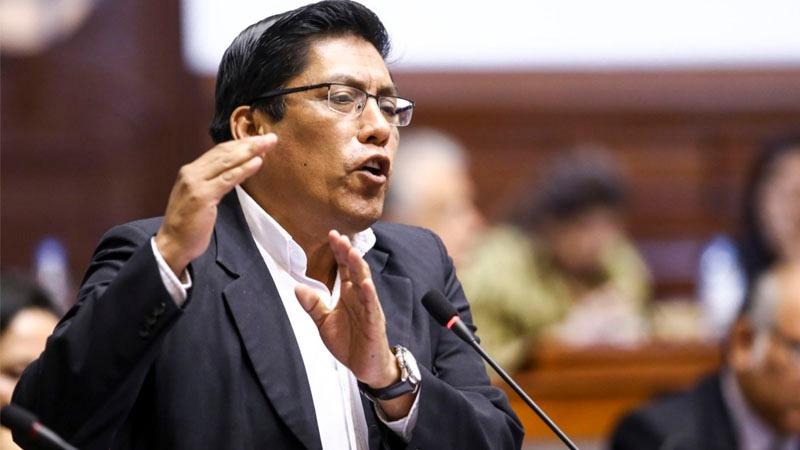 El parlamentario oficialista expresó su rechazo a la moción de vacancia presidencial presentada por parlamentarios de Fuerza Popular, Frente Amplio Alianza para el Progreso y el APRA.