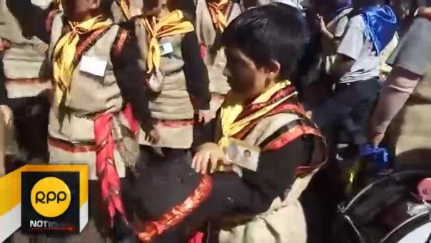 'Negritos' bailan por horas seguidas sin parar para rendir homenaje a La Mamita.