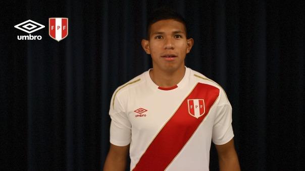 Edison Flores ya se probó la nueva camiseta de la Selección Peruana.