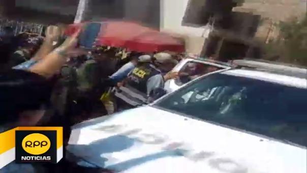 Alcalde Cubas Coronado fue resguardado por la Policía Nacional para evitar que sea agredido.