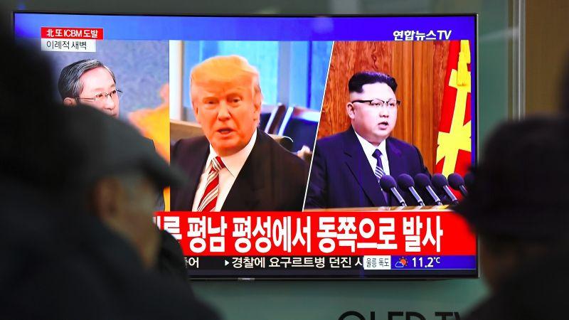 """Kim Jong-un llamó al pueblo norcoreano a ser """"optimista"""" sobre los progresos de la revolución."""