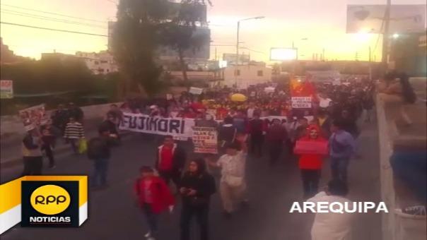 Así se vivió la movilización contra el indulto al expresidente Fujimori en Arequipa.