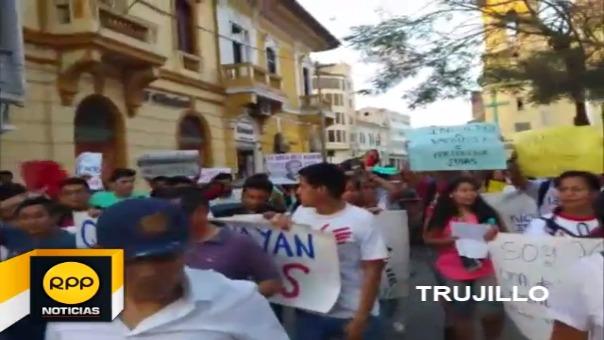 Así se vivió la movilización contra el indulto al expresidente Fujimori en Trujillo.