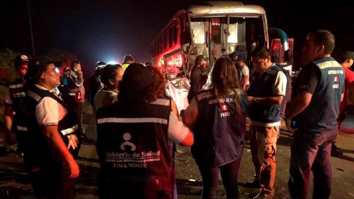 El accidente vehicular deja varios heridos.