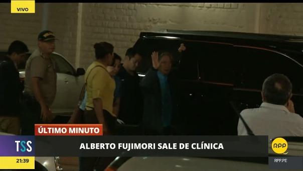 El expresidente Alberto Fujimori salió de la clínica en compañía de su hijo Kenji Fujimori.
