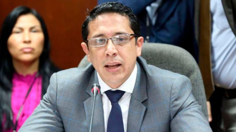 El Parlamentario también se pronunció sobre la situación de su partido Fuerza Popular.