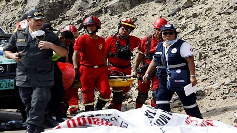 Más de 50 personas murieron en el accidente ocurrido este martes en el Serpentín de Pasamayo.