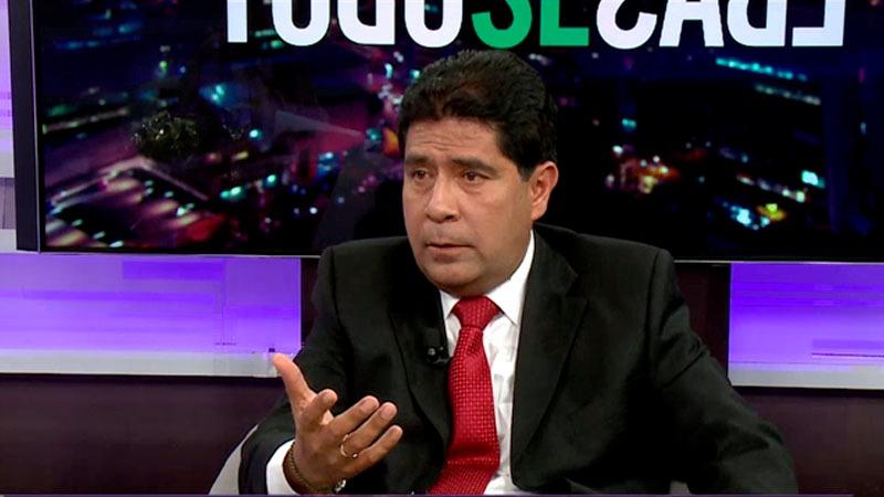 El ministro de Trabajo confirmó que la Presidenta del Consejo de Ministros, Mercedes Aráoz, fue quien le ofreció el sector Trabajo.