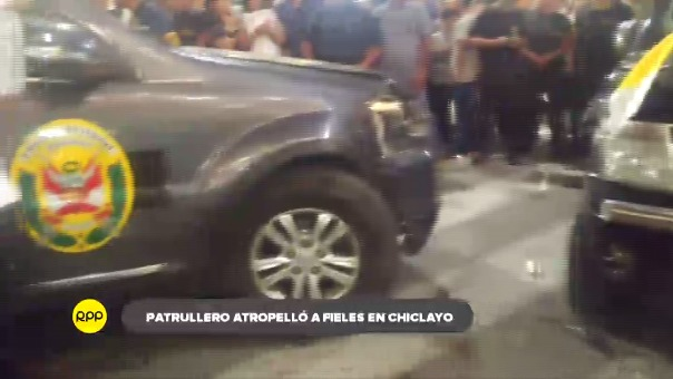 Conductor de vehículo policial habría perdido el control y ocasionó accidente, incluso, impactó contra otra camioneta.