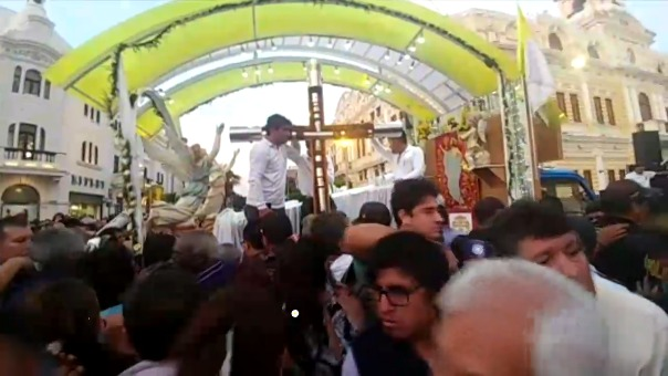 Llegada de la Cruz de Motupe a la ciudad de Chiclayo.