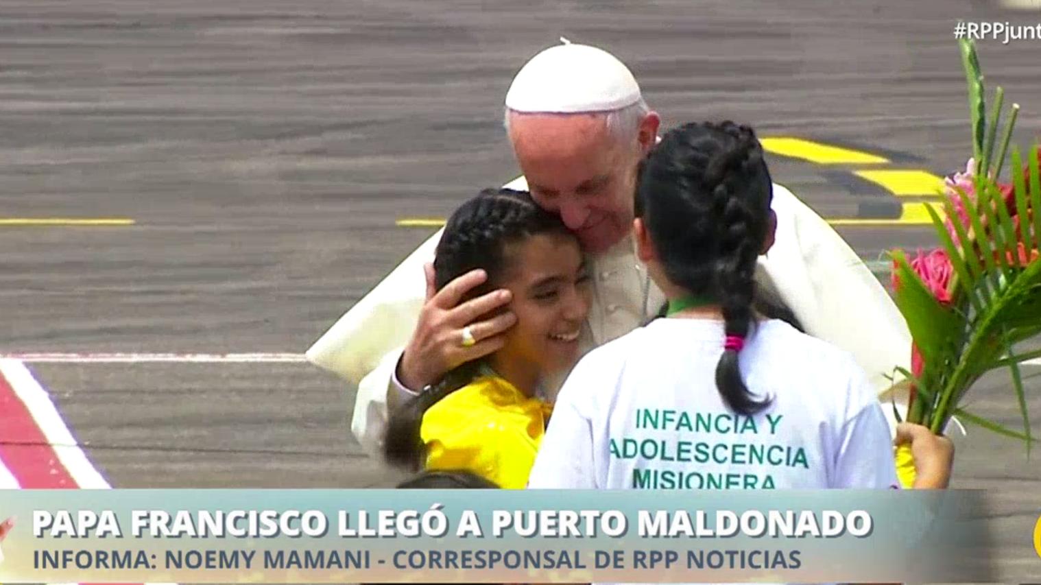 Los niños de la Organización Infancia y Adolescencia Misionera se encargó de darle la bienvenida al Sumo Pontífice.