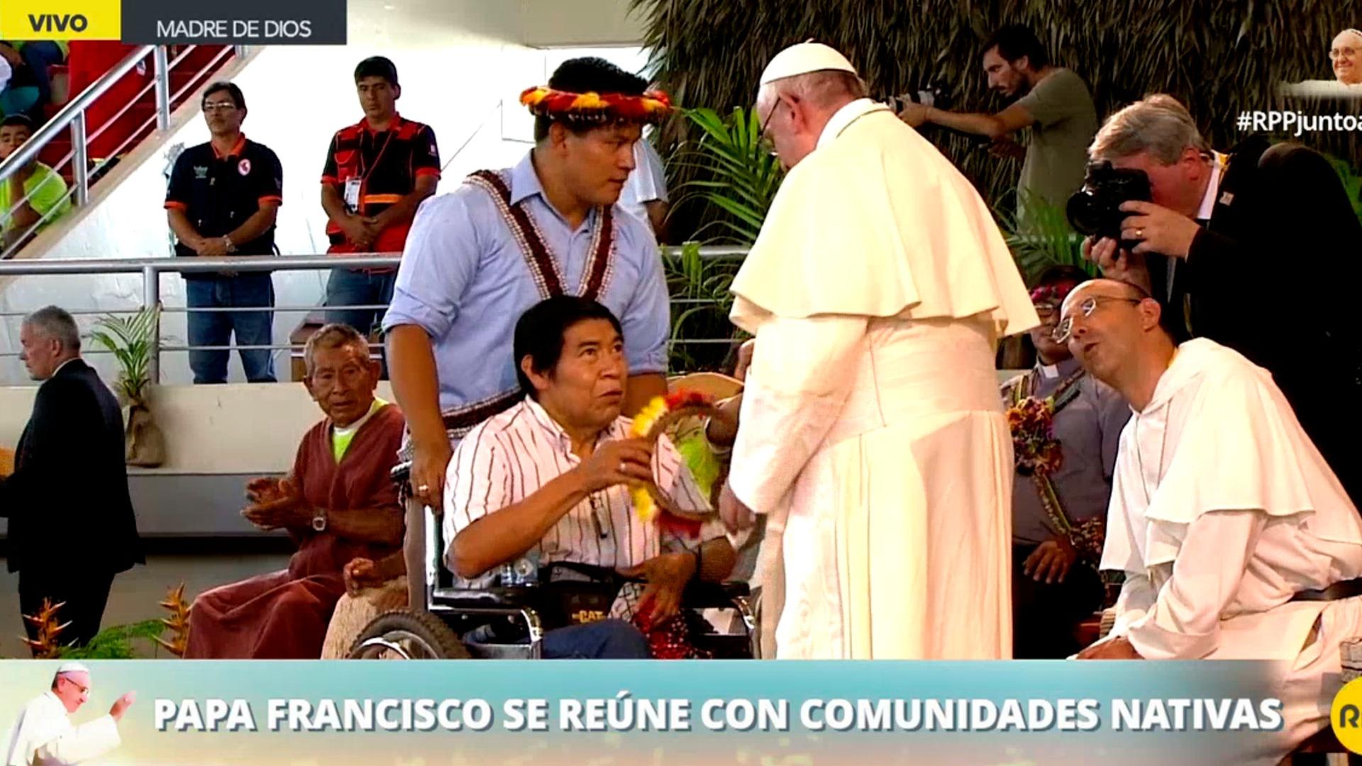 El papa Francisco recibió una distinción de la etnia awajún
