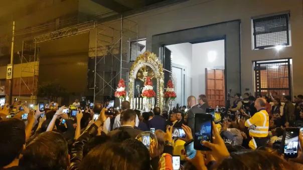 El Cristo Moreno a su salida de Las Nazarenas