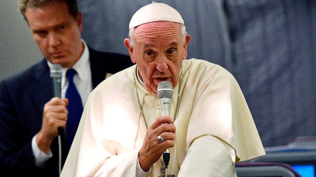 Francisco respondió a preguntas de la prensa durante su viaje de Lima a Roma.