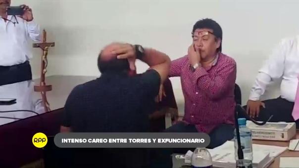 Exaltado se mostró Roberto Torres durante el careo con su exfuncionario