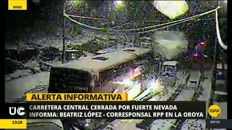 La Policía de Carreteras instó a los transportistas a suspender sus viajes por esta noche.