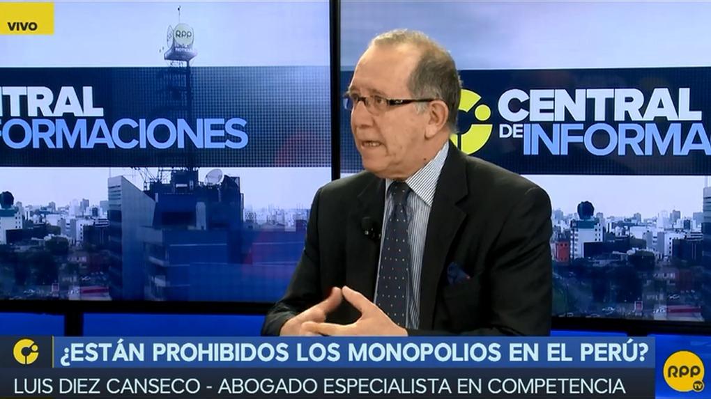 Luis Diez Canseco Núñez es abogado por la Pontificia Universidad Católica del Perú (PUCP).