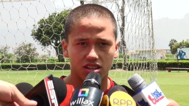 Paulo De la Cruz es formado en las divisiones menores de Universitario de Deportes.