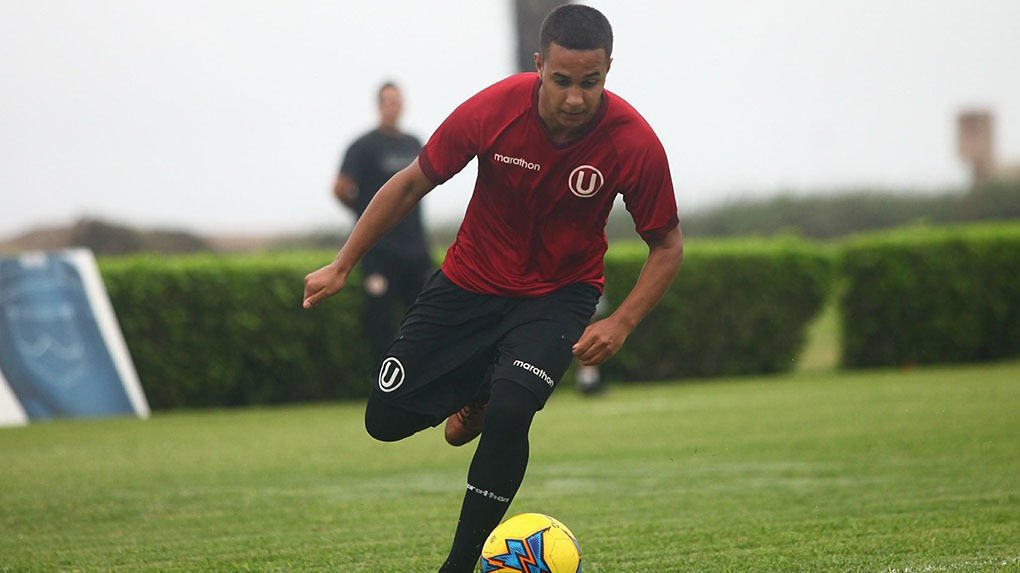 Con 20 años, Barco hizo su debut profesional en 2017 en el triunfo por 3-1 de la 'U' sobre UTC.