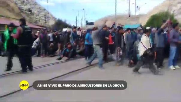 Manifestantes bloquearon por varias horas la Carretera Central.