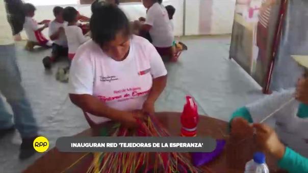 Ellas fueron capacitadas en el arte del trabajo en paja para lograr su emprendimiento económico y la de sus familias