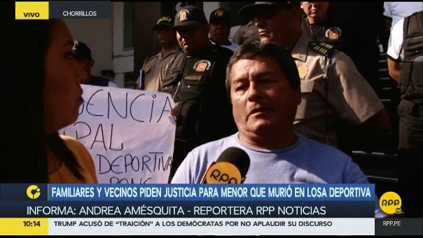 El padre del niño reclamó que el alcalde no reaccionó ante los hechos.
