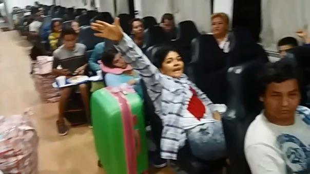 Los pasajeros de la embarcación retenida pidieron que los pobladores les dejaran partir.