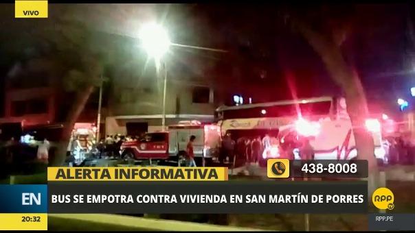 Bus interprovincial impactó en contra de una vivienda en San Martín de Porres.