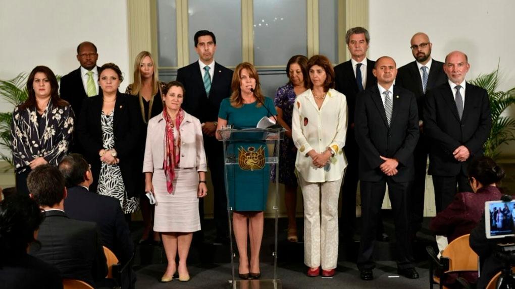 La ministra de Relaciones Exteriores leyó el pronunciamiento del Grupo de Lima.