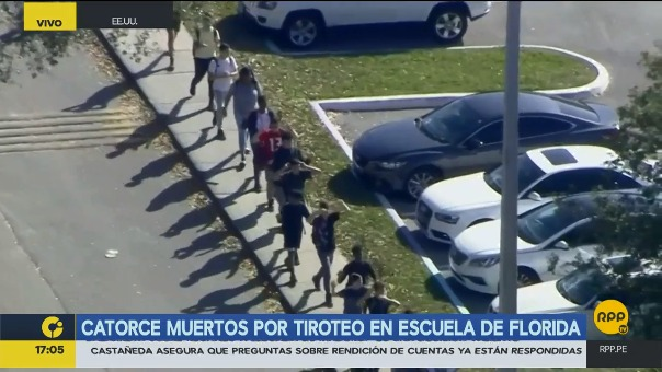 Los alumnos salían de la escuela con las manos arriba, por temor a que los confundan con sospechosos del tiroteo.