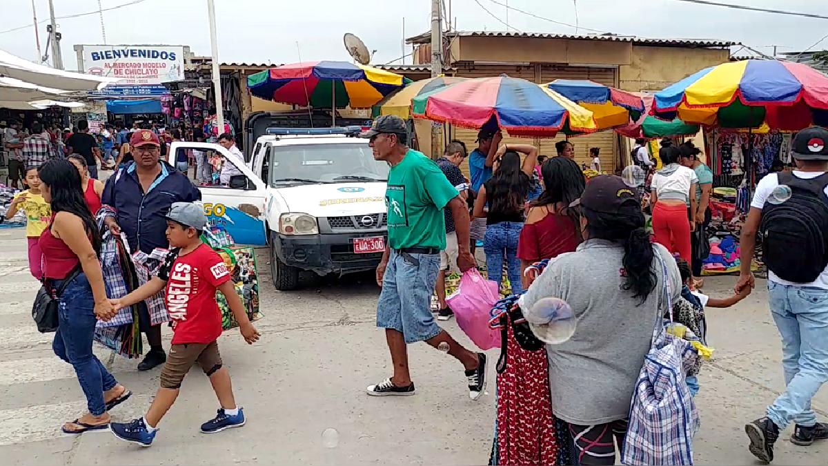 Venezolanos han encontrado un buen espacio de ventas en el mercado modelo.