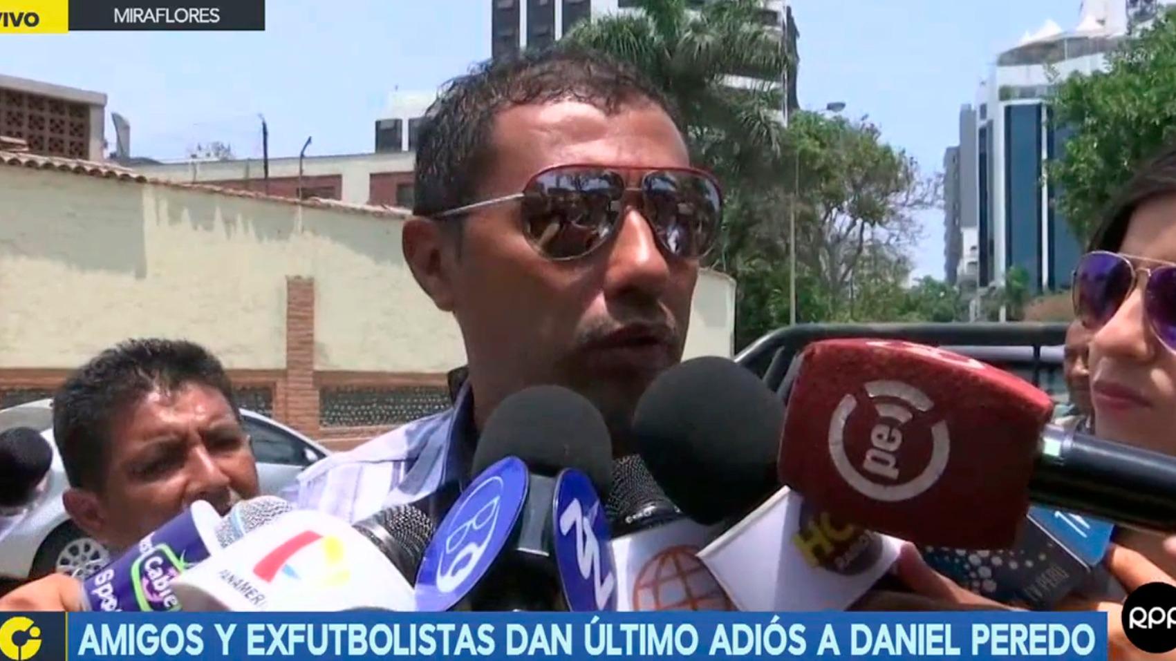 Amigos y exfutbolistas se despiden de Daniel Peredo en una iglesia de Miraflores