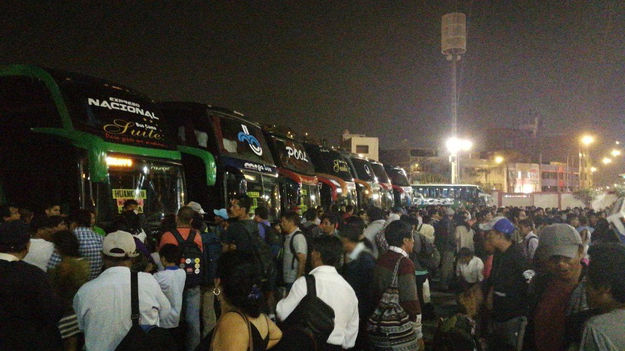 Los ciudadanos mostraron su indignación por el aumento de los pasajes.