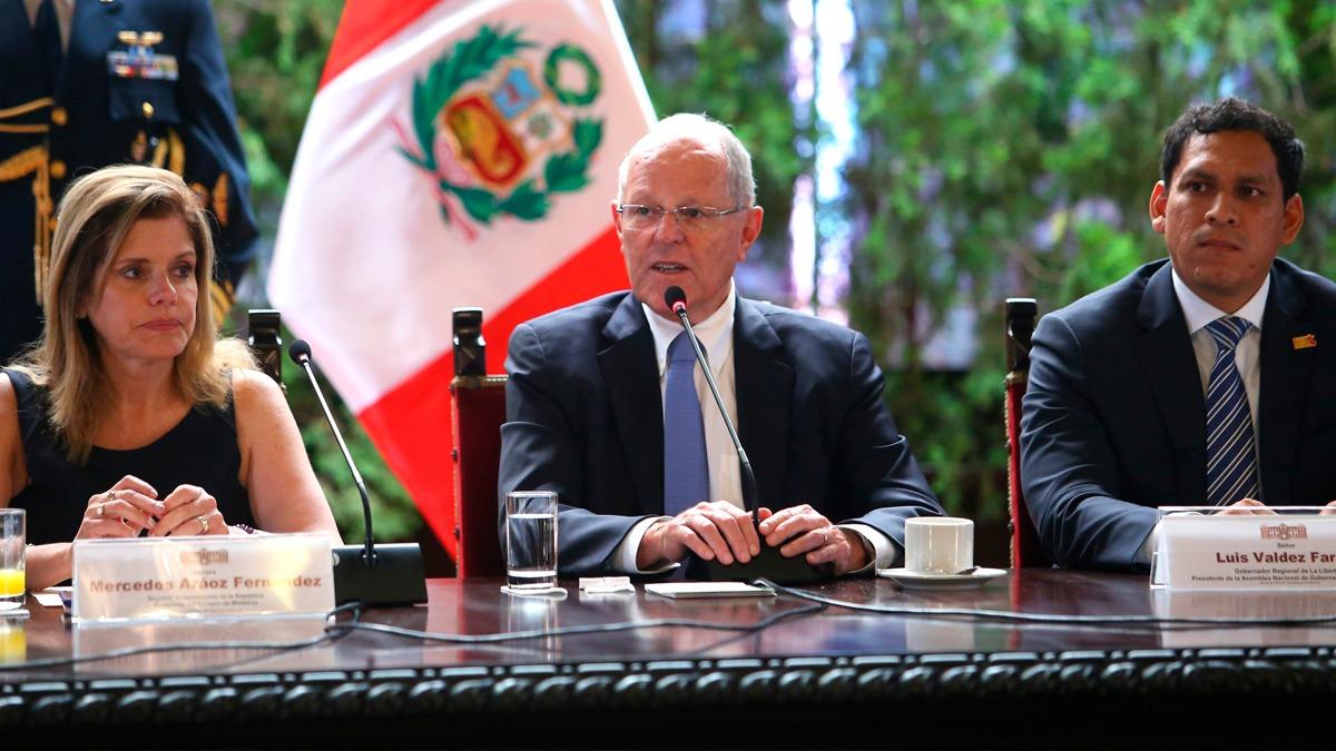 El presidente participa este jueves en un encuentro con gobernadores regionales.