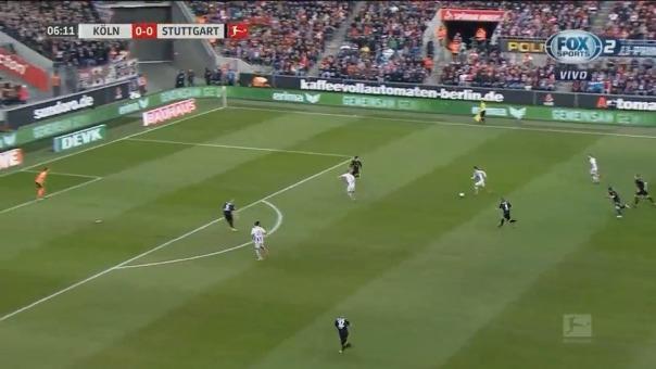 El delantero peruano anotó el primer gol de su equipo contra el Stuttgart-