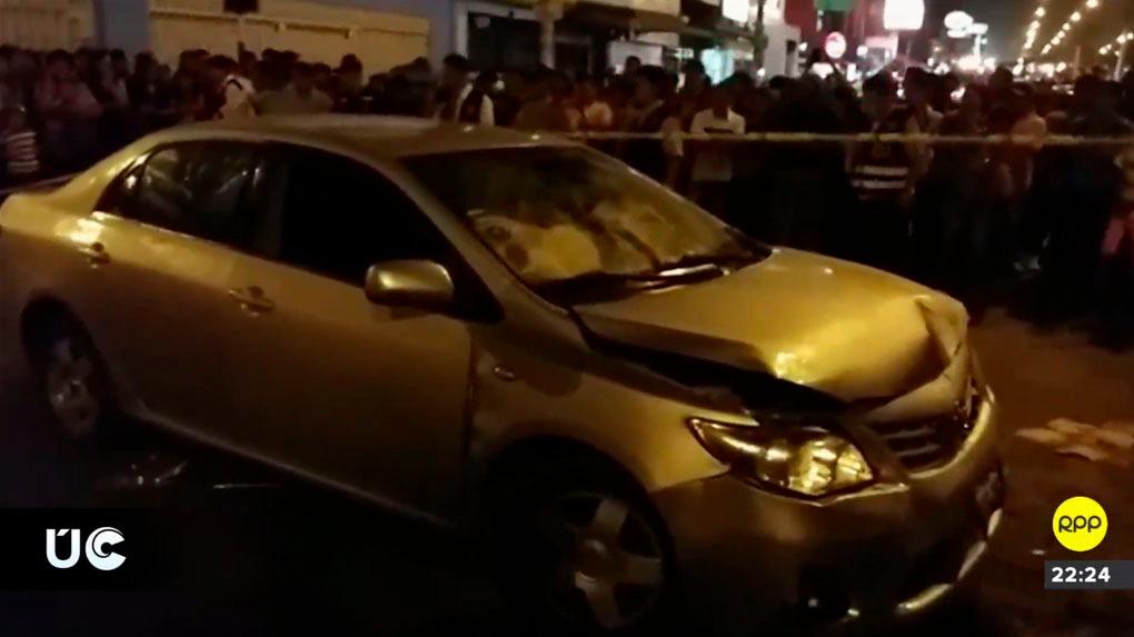 El suceso atrajo una multitud de curiosos a la avenida Túpac Amaru.