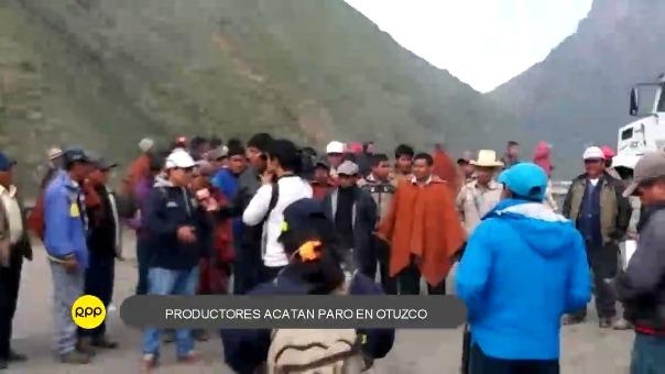 Autos y camiones reanudaron su marcha.
