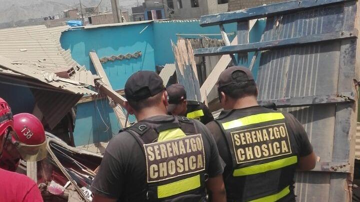Dos personas perdieron la vida tras despiste de camión en Chosica.