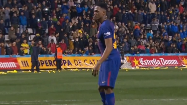 Yerry Mina marcó de penal con el Barcelona.
