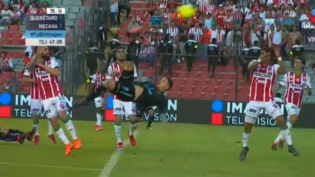El golazo de chalaca de Everaldo Stum que paraliza a la Liga MX.