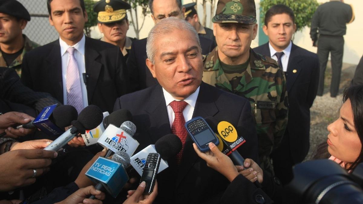 Abogado del expresidente calificó de arbitraria la orden de prisión preventiva en contra de la ex pareja presidencial.