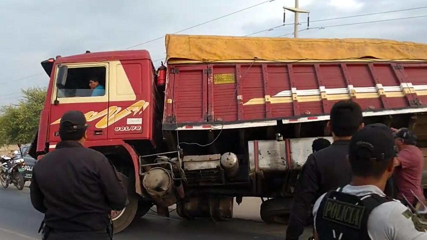 Camión se escapó de operativo.