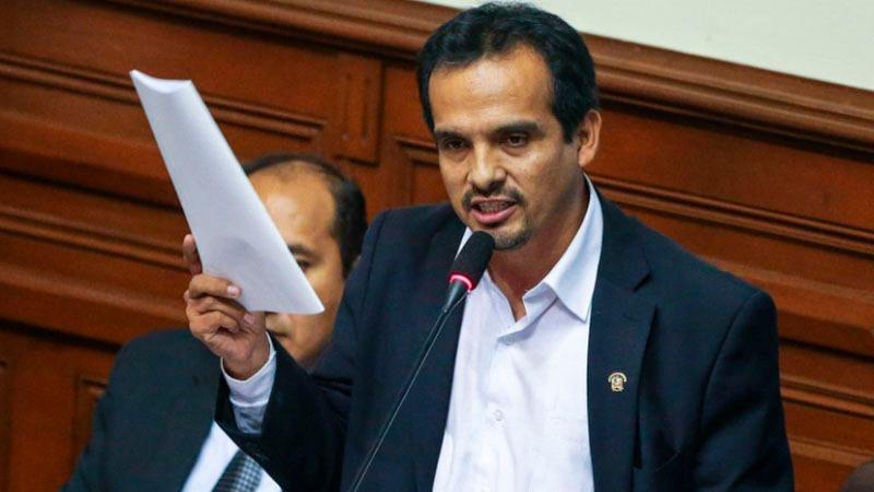 El parlamentario comentó que el argumento de la muralla china usado por el presidente ya no es válido.