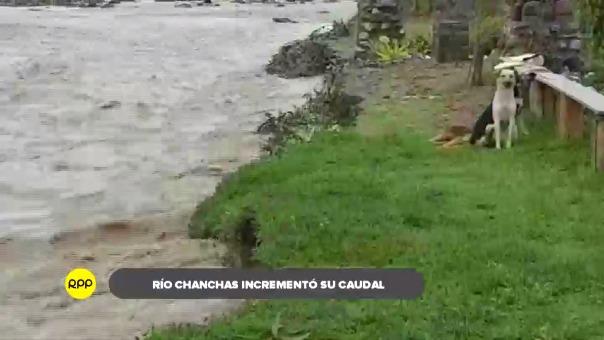 Río afectó cultivos de maíz y papa, además, pone en riesgo a la institución educativa 31580 que se encuentra a pocos metros.