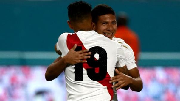 El relato de Pierre Manrique con los goles de André Carrillo y Edison Flores.