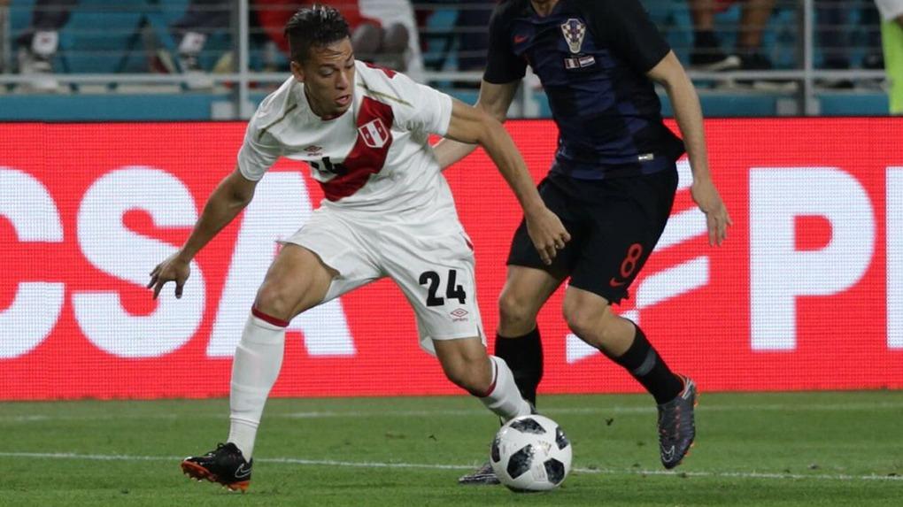 Cristian Benavente debutó con la Selección Mayor Peruana en abril del 2013.